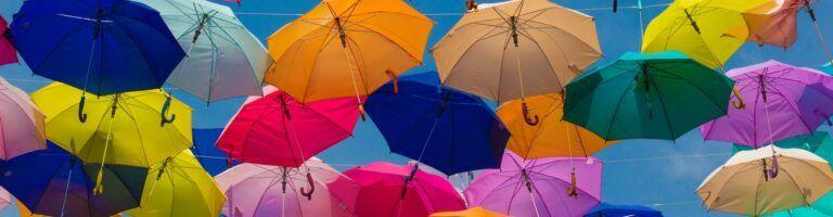 renkli şemsiyeler sigorta teminatları kapak resmi